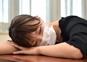 微熱、寒気、頭痛、吐き気などのかぜの後期の症状、胃部の痛み<柴胡桂枝湯>